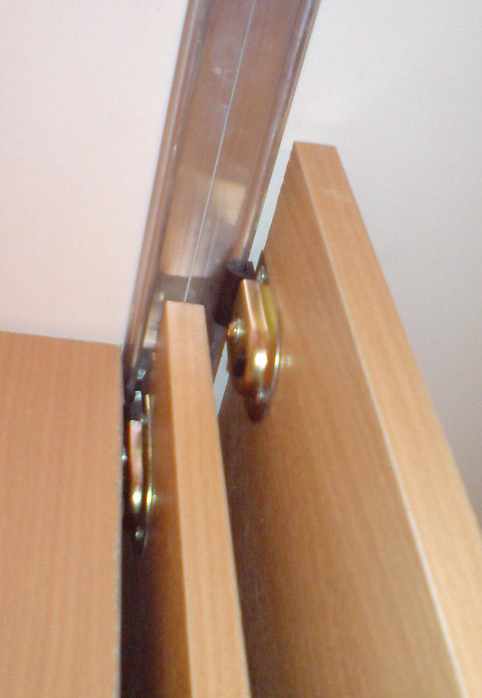 Как сделать раздвижную дверь на шкаф своими руками